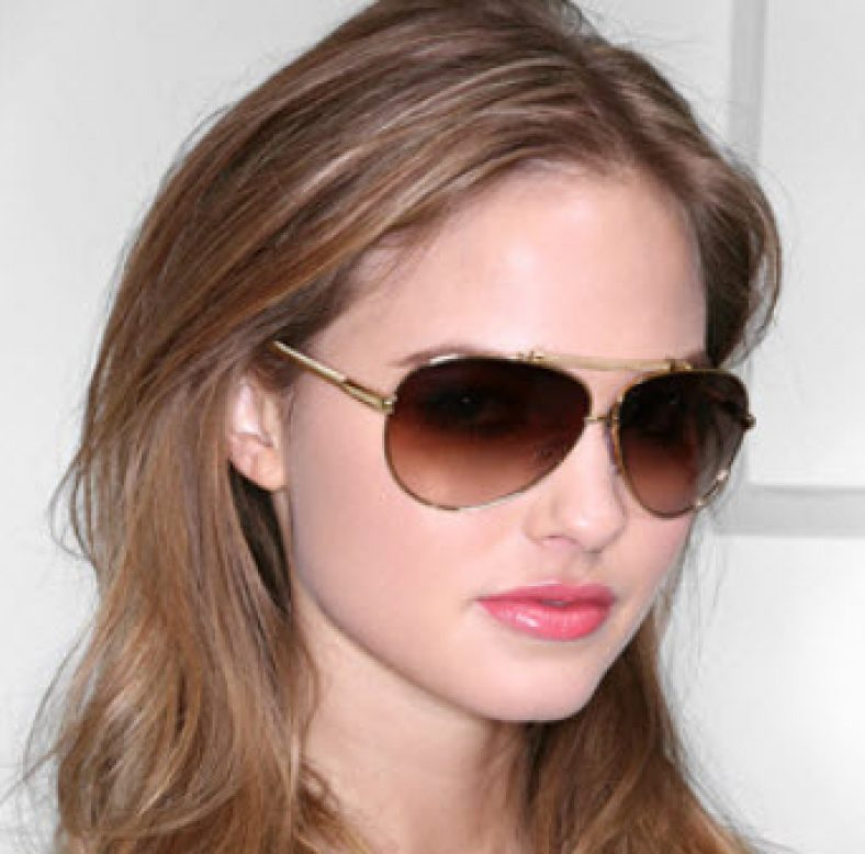 Sunglasses for face shape. Buyers guide for sunglasses.